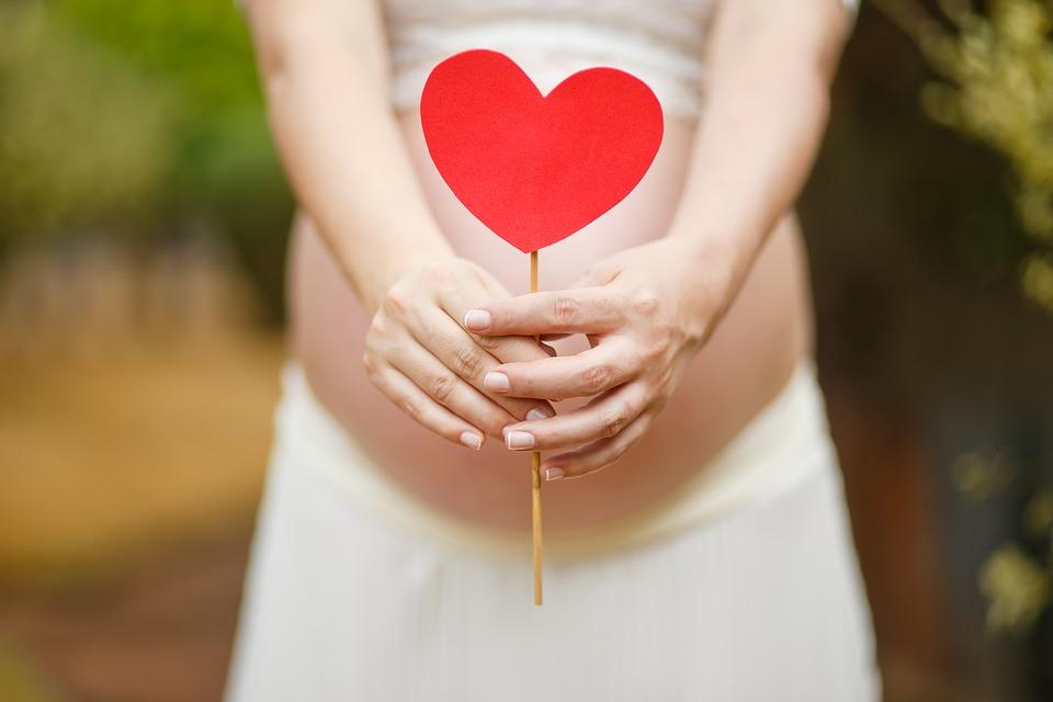 Automasajul simplu pentru fertilitate care m-a ajutat să rămân însărcinată!