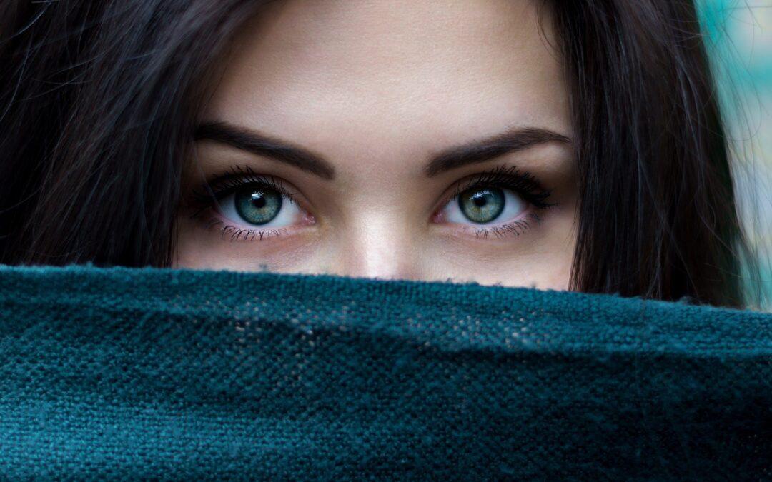 Exercițiu practic folosind ochii – cheia care-ți deschide starea de liniște